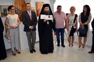 Expozitie de icoane picturi pe lemn și pe sticlă de Călin Raluca și Roxana Bogatean la Gyula Ungaria 2016