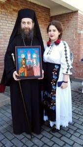 Expozitie de icoane picturi pe sticlă de Roxana Bogatean la Gyula Ungaria 2016